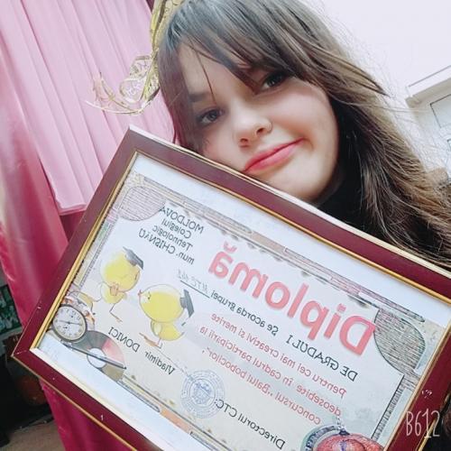 Девушка 17 лет ищу работу модели вязаных изделий ручной работы